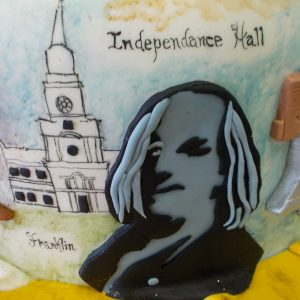 Benjamin Franklin in fondant relief and Independence Hall mural